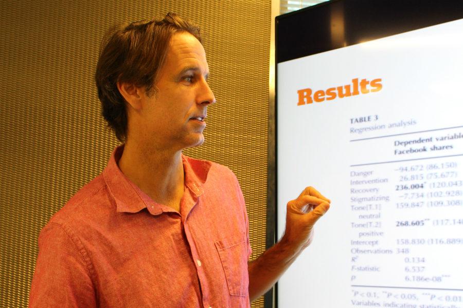 Gavin Adamson, journalism undergraduate program director, presenting his findings at Ryerson University on Sept. 12, 2016. (Jasmine Bala)